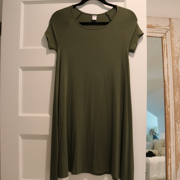 e75e041d3a1cb Old Navy Jersey Swing Dress in Army Green XS. M_5b0ee9f18290afe7eb864ccb